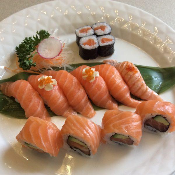 15a-sushi-misto-solo-salmone